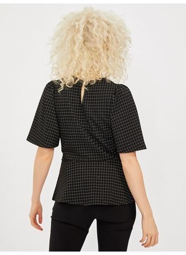 Vekem-Limited Edition Balon Kol Belden Volanlı Bluz Siyah